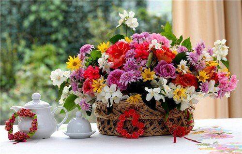 Различные виды цветочных композиций